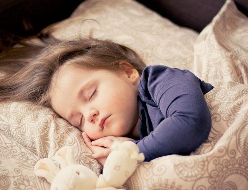 嬰孩大腦受損都沒有自閉症特徵